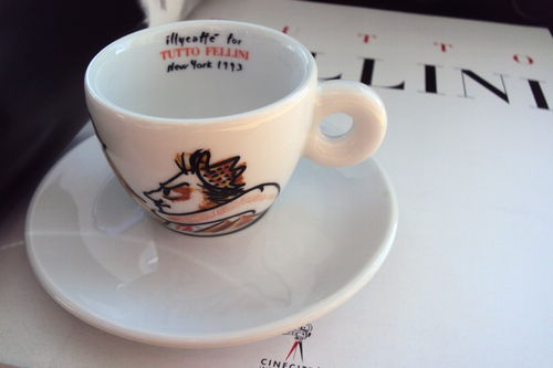"illy collection ""Tutto Fellini"" - Sondertasse 1993 mit Buch und CD"